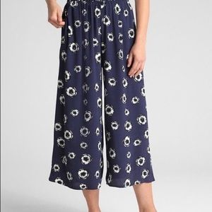 GAP Poppy Print Wide Leg Crop Pants